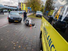 Automobilist rijdt scooter aan op Van Beethovenlaan in Roosendaal
