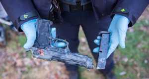 Kinderen treffen vuurwapen aan op het ijs in Roosendaal