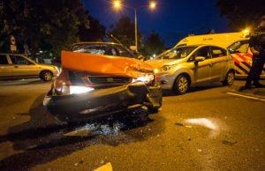 Man gewond bij botsing auto's in Roosendaal