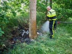 Brandweer blust bermbrand aan Het Zijl in Nispen