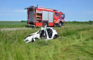 Persoon bekneld bij ongeluk aan Oostmiddelweg in Willemstad