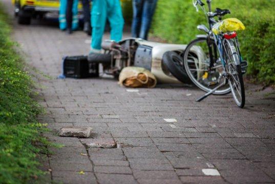Snorfietsster zwaargewond na ongeval aan Rucphensebaan in Roosendaal