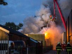 Grote brand in loods aan de Meeten in Roosendaal
