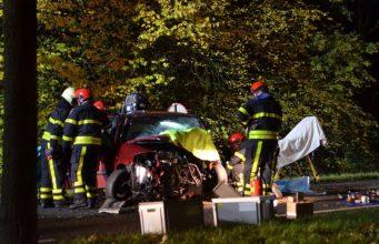 Twee gewonden bij eenzijdig ongeval in Hoeven