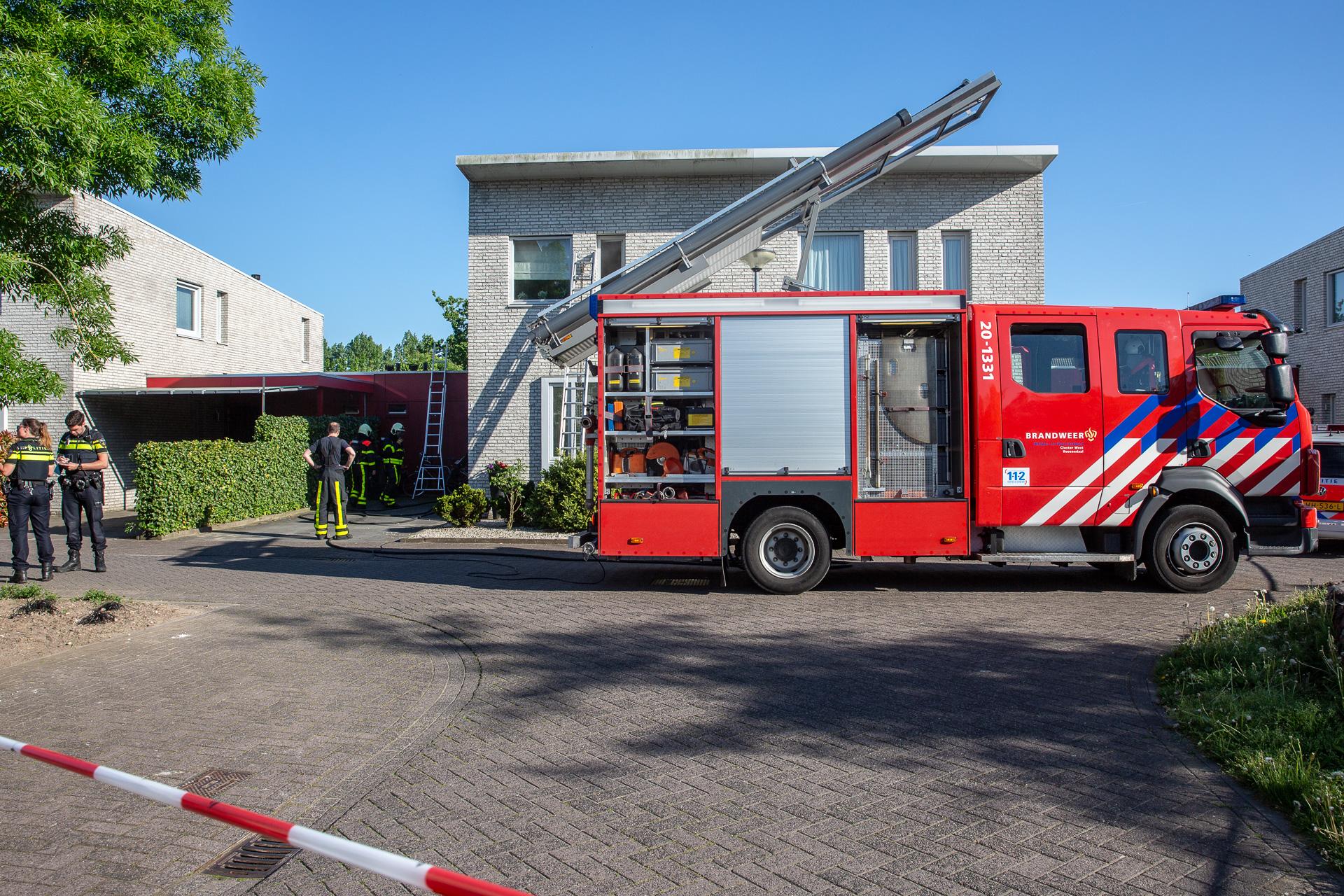 Hennepkwekerij ontdekt bij woningbrand in Roosendaal