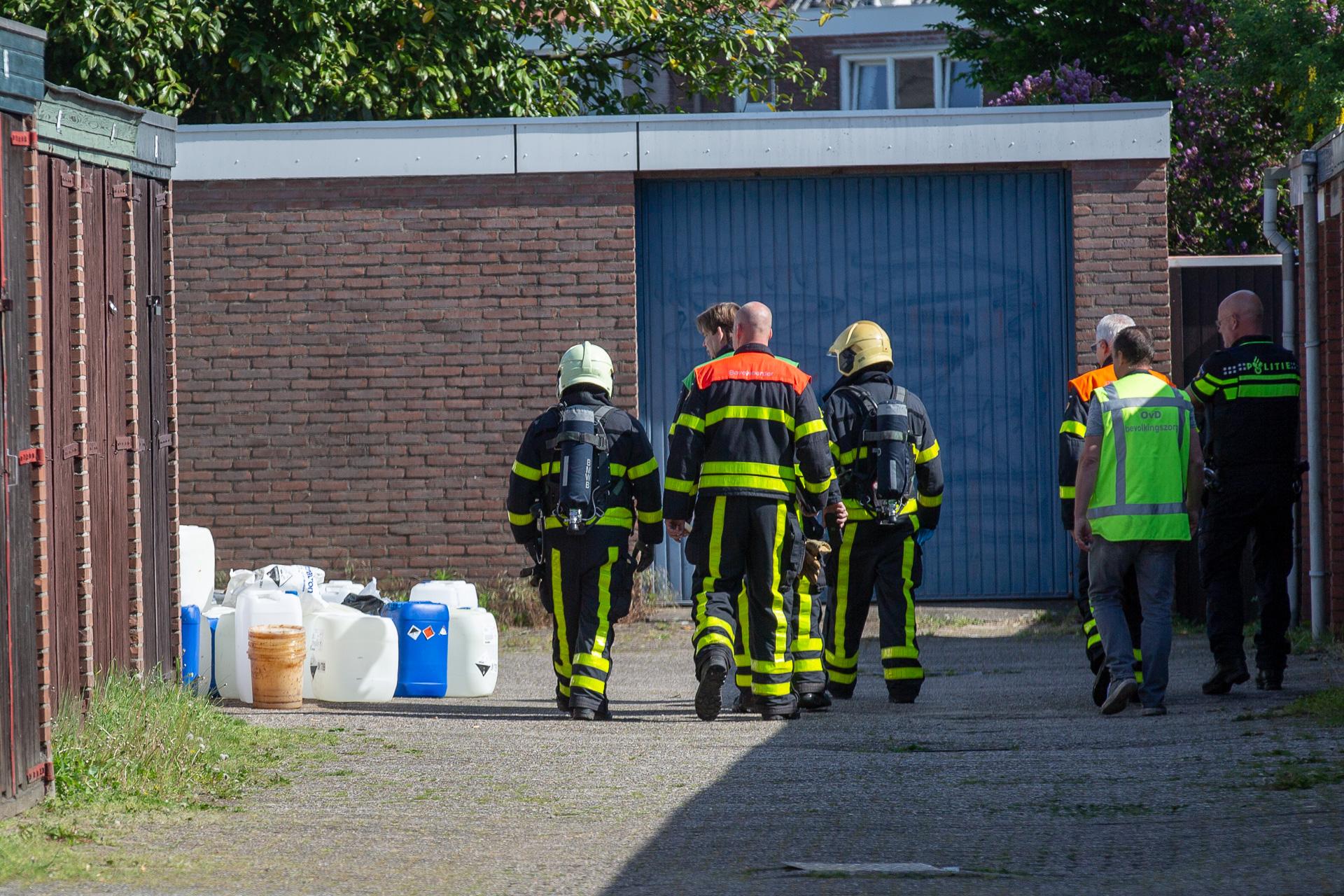 Vaten en materialen uit drugslab gedumpt in woonwijk Bergen op Zoom