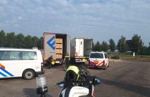 Acht Albanezen uit vrachtwagen gehaald