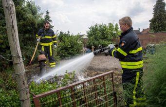 Brand in moestuin aan Willem Barentszstraat in Roosendaal