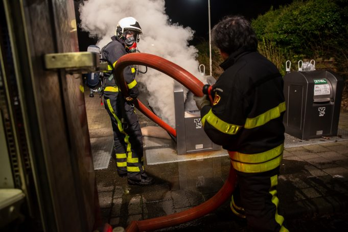 Ondergrondse textielcontainer in brand in Roosendaal