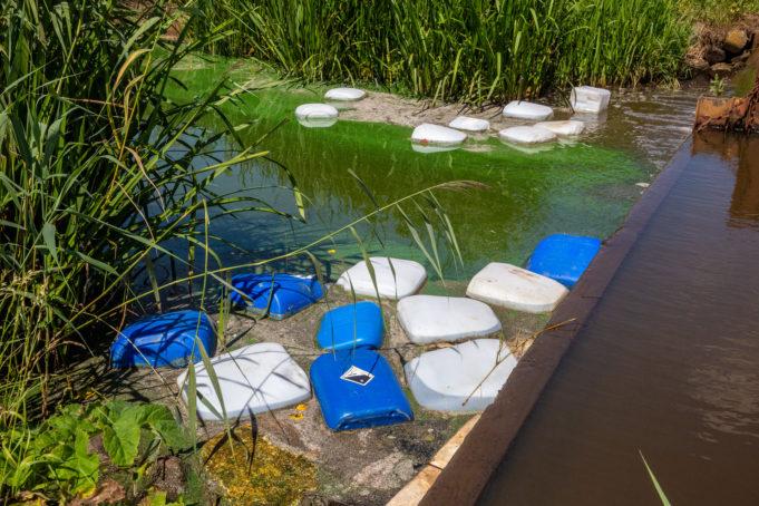140 vaten gedumpt in Roosendaalse Vliet