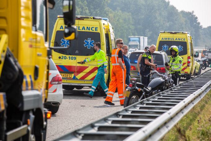Politie zoekt getuigen van ongeval op A17 bij Oud Gastel
