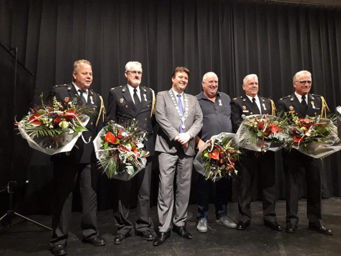 Vijf koninklijke onderscheidingen voor vijf brandweerlieden
