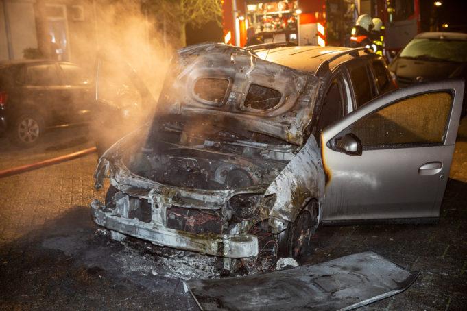 Auto door brand zwaar beschadigd in Halsteren