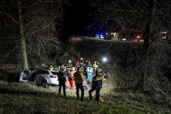 Dode bij ernstig ongeval op A17 bij Moerdijk