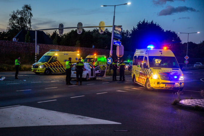 Ongeval op kruising Randweg Noord, drie gewonden