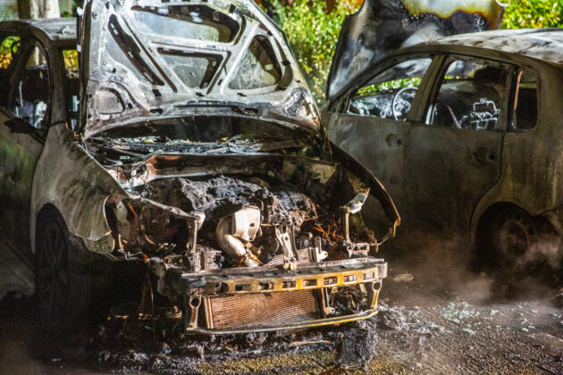 Drie auto's door brand verwoest in Roosendaal