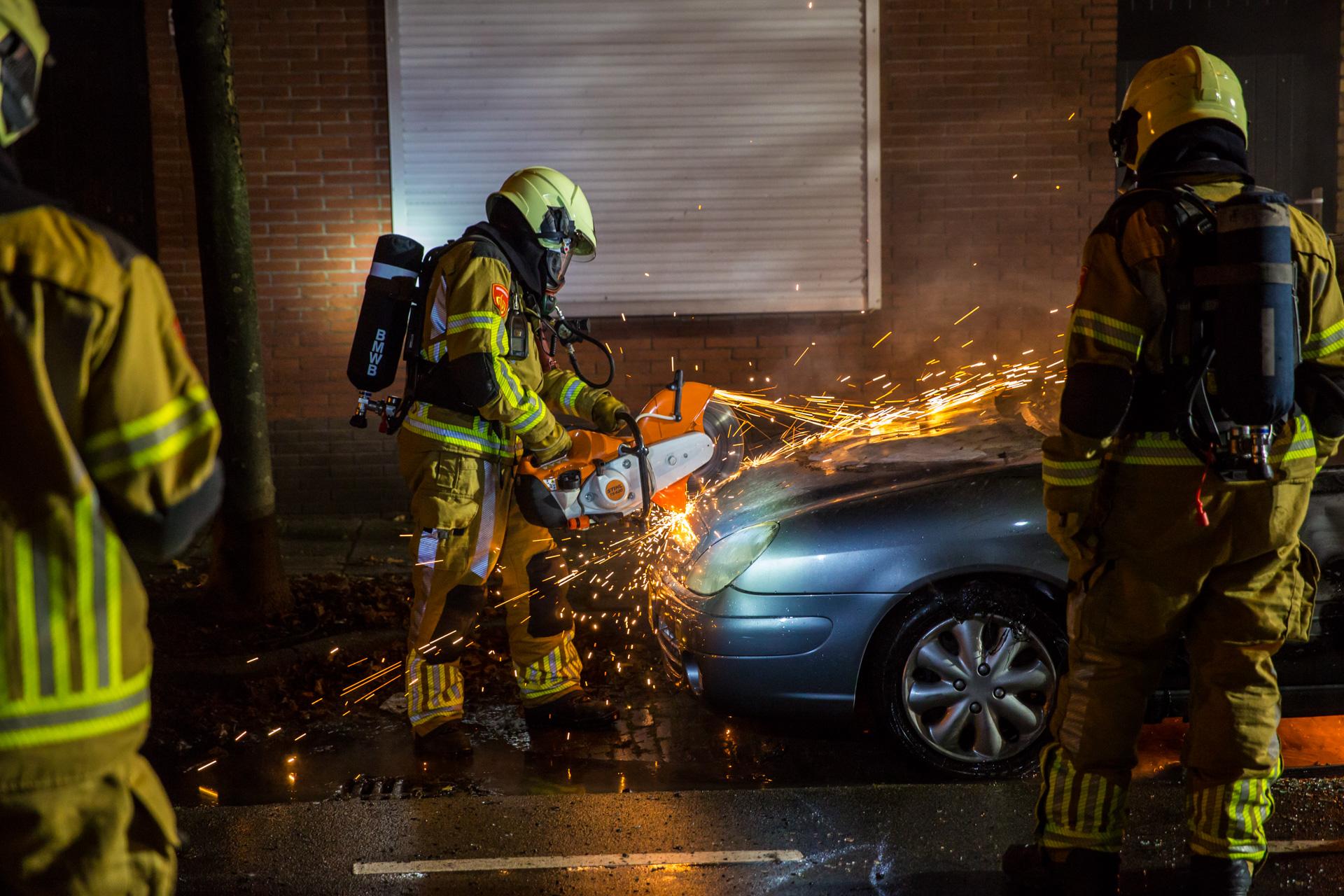 Auto uitgebrand aan Kalsdonksestraat in Roosendaal