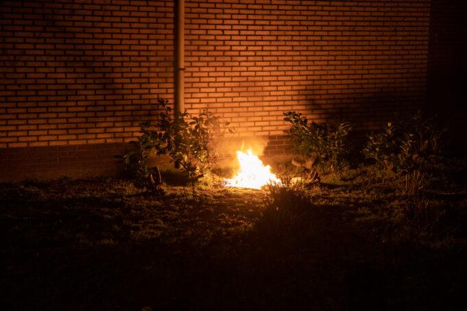 Brandweer blust brandje in Dunantstraat