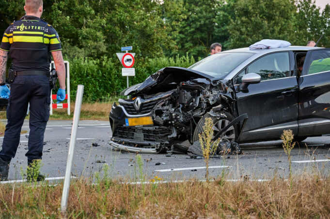 Elf gewonden bij ongeluk met vier auto's in Sint Willebrord